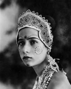 Seeta Devi as Gopa in Prem Sanyas -The Light of Asia (Die Leuchte Asiens in German) 1925 silent film, directed by Franz Osten and Himansu Rai